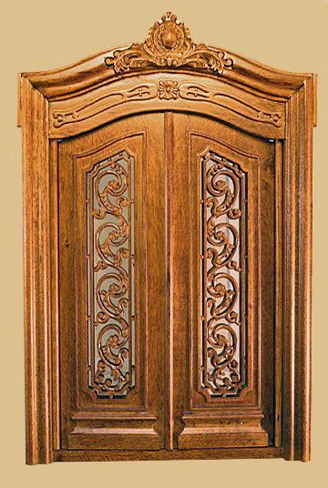 & Full Scale Pollinade Carved Double Door Walnut -