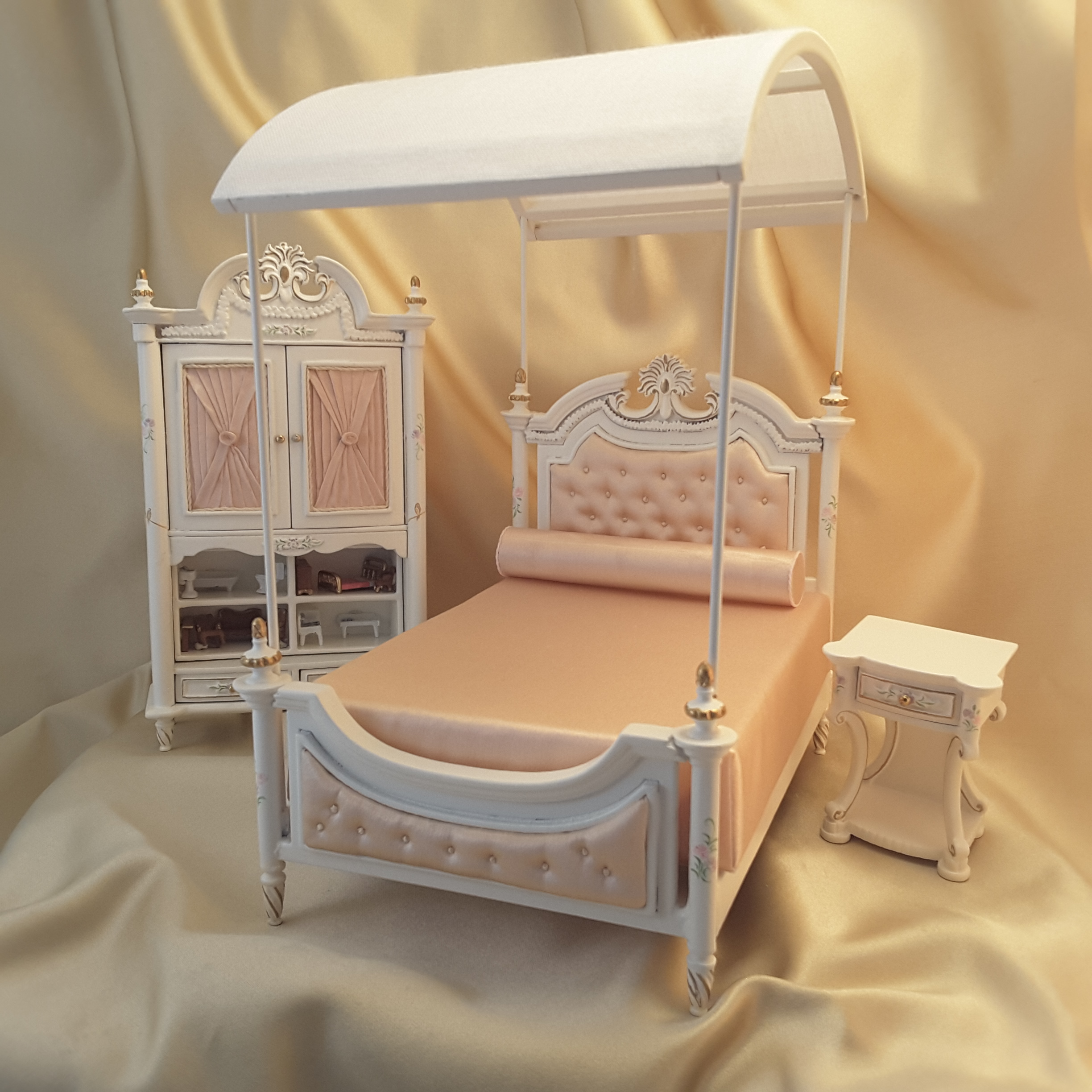 Madelineu0027s Bed Set